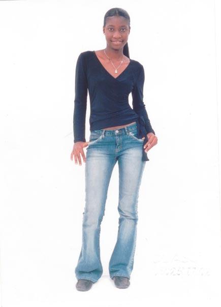 Femme black pour une grosse décharge de queue